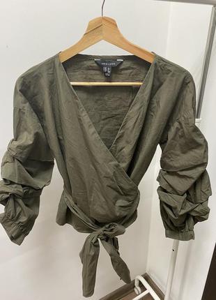 Модная блуза с объёмными рукавами