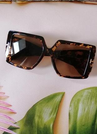 Эксклюзивные брендовые солнцезащитные женские очки квадраты 2021 в черепаховой оправе5 фото