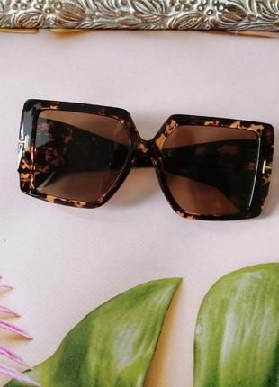Эксклюзивные брендовые солнцезащитные женские очки квадраты 2021 в черепаховой оправе4 фото