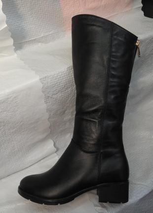 Зимние кожаные сапоги на маленьком каблуке!