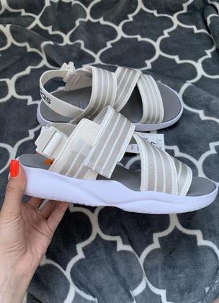 Босоножки  сандали adidas оригинал новые