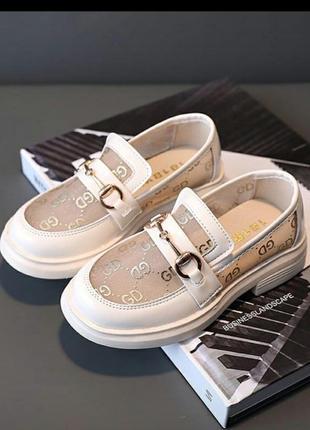 Очень красивые туфли для девочек