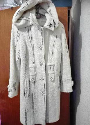 Буклированное пальто