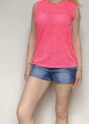 Яркая розовая футболка без рукава eur 36-38