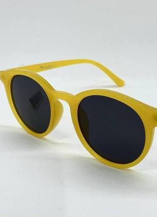 Женские солнцезащитные очки круглые черные линзы в желтой пластиковой оправе3 фото