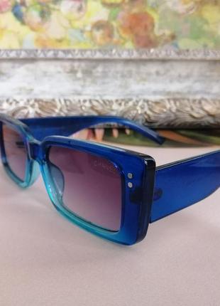 Модные яркие брендовые синие очки в узкой оправе 2021
