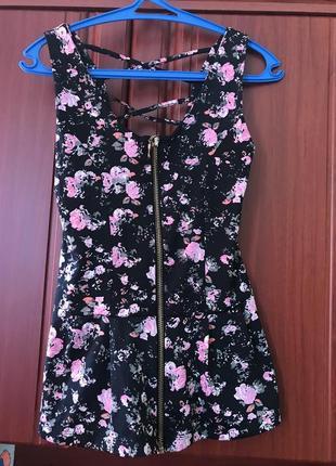 Классная летняя кофточка в цветочный принт с красивой спинкой