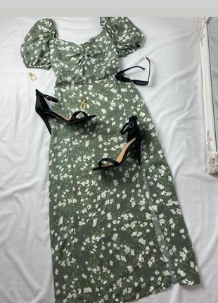Цветочное платье миди с разрезом
