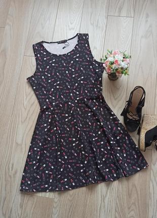 Красивое летнее черное платье в принт