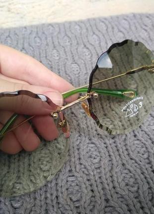 Круглые, зеленые, солцезащитные очки