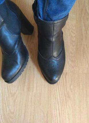 Чорні черевики ботильйони деми весна ботильйоны черные демисезон челси ботинки