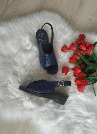 Легкие сандали, босоножки