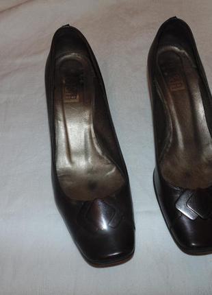 Кожаные туфли g&r