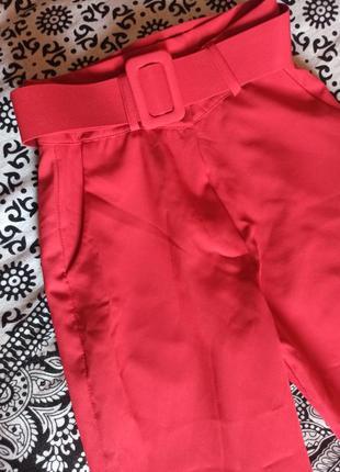 Классические лёгкие брюки с высокой посадкой, подчеркивают линию талии, состояние 5! ❤️