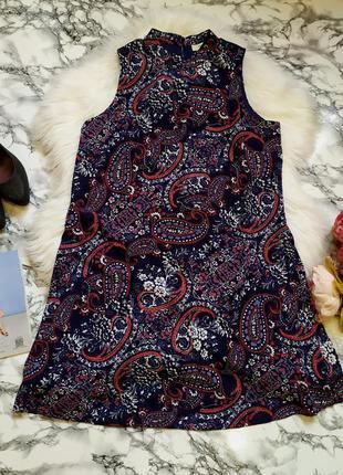 Красивое платье свободного кроя в цветочный принт размер m-l