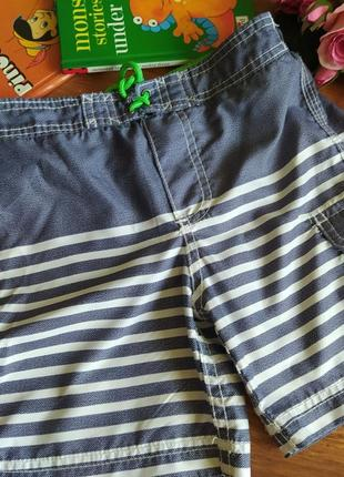 Модные пляжные шорты carter's на 5 лет.
