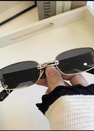 Очки с пирсингом в серебряной оправе