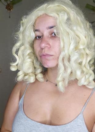 Кудрявый кукольный парик блонд