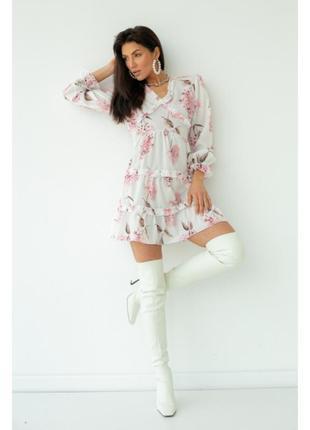 Сукня міні з пишною спідницею і відкритою спиною - білий
