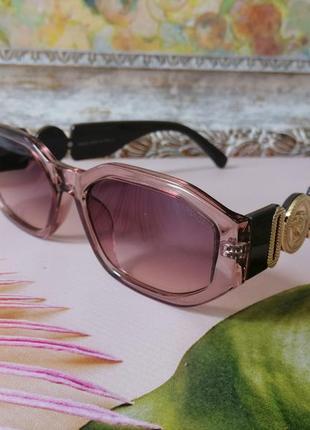 Модные брендовые женские солнцезащитные очки 2021