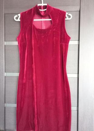 Вечернее платье с чокером велюровое бархатное