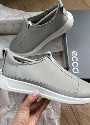 Ecco кроссовки лёгкие текстильные слипы без шнурков