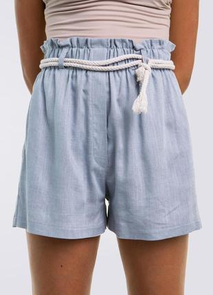 Льняные короткие шорты с поясом, голубые