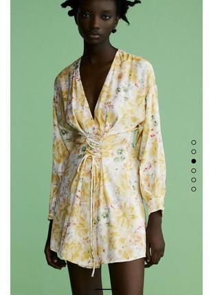 Платье zara с шнуровкой в цветочный принт новая коллекция