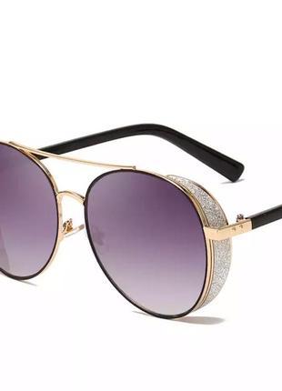 Стильные солнцезащитные очки женские. новые