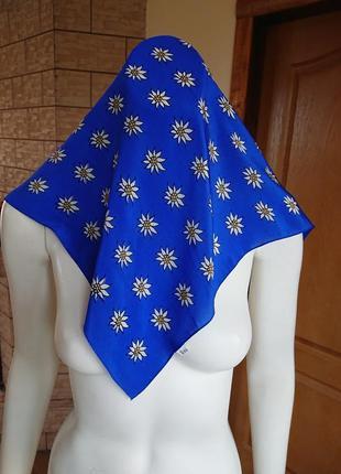 Шелковый шейный маленький платок с эдельвейсами бандана как маска 50*52 см