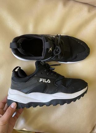 Идеальные чёрные кроссовки 🖤