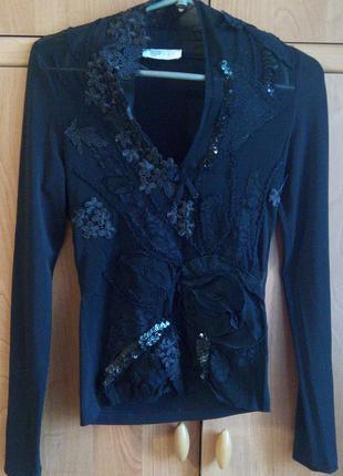 Очень красивая, нарядная женская блуза vipart