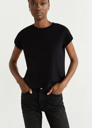 Mango базовая футболка 200 грн