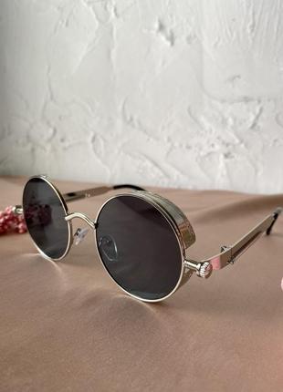 Круглі очки жіночі трендові стильні нові чорні із срібною оправою хіт 2021