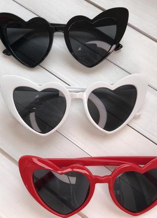 Женские солнцезащитные очки сердечки