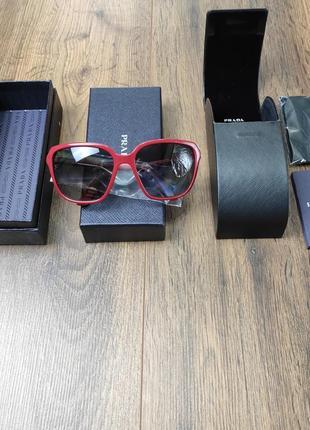 Prada элегантные женские солнцезащитные очки
