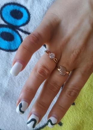 Красивое золотое кольцо с камнем,помолвочное,15,5 размер.