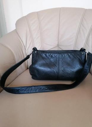 Классная сумка из качнственной 100-% кожи