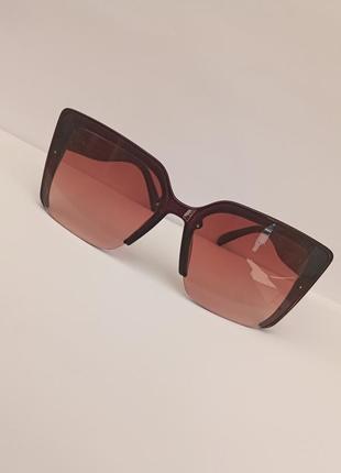 Стильные коричневые итальянские очки без оправы снизу