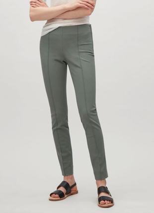 Фисташковые оливковые брюки штаны по фигуре cos