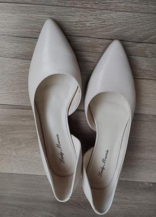Новые  шикарные туфли лодочки, кожа, 38