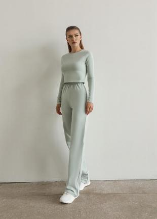 Костюм : штаны и кроп-топ с длинным рукавом
