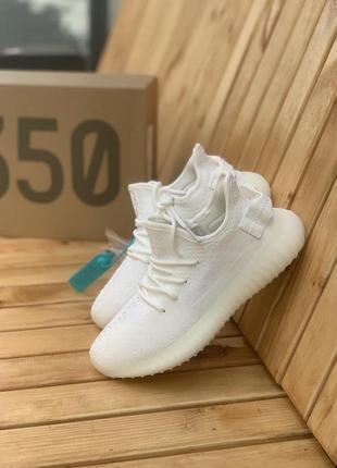 Крутые трендовые женский кроссовки adidas yezzy boost 350 белый