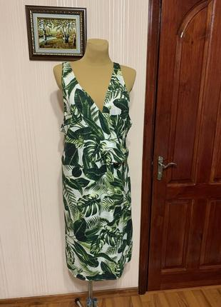 Летнее платье на запах в тропический принт