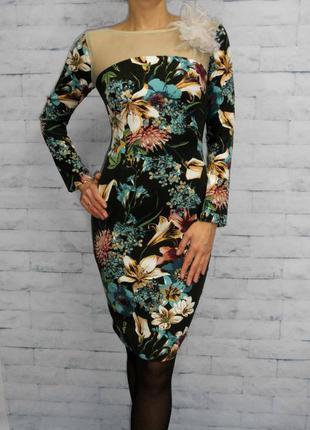Эксклюзивное шикарное платье-футляр  rinascimento размер s