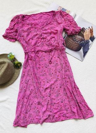 Розовое цветочное платье