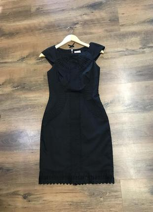 Роскошное чёрное платье с перфорацией