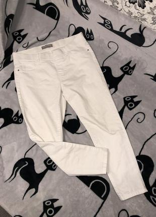 Белые джинсы m-l