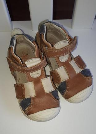 Шкіряні босоніжки,сандалі