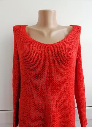 Джемпер красного цвета